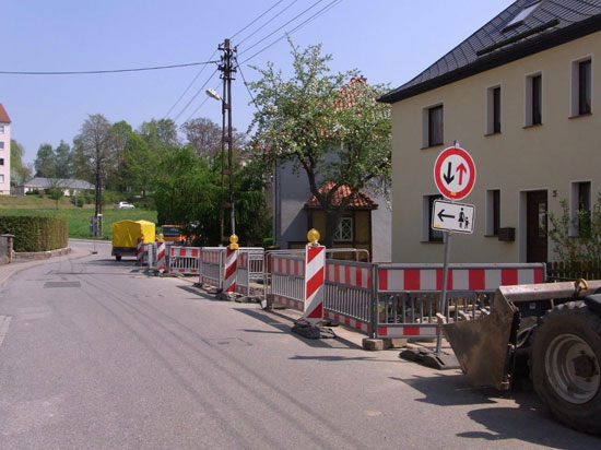 Hier: Installation der neuen Straßenbeleuchtung