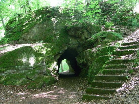 Tunnel im Heinirch-Heine-Park